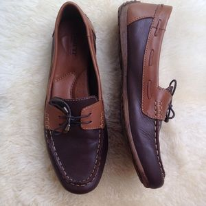 Born brown leather 2-tone boat shoes Loafers